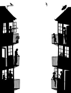 Fachadas enfrentadas de comunidades de propietarios